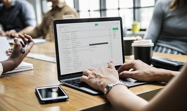 Avoir un site web et communiquer